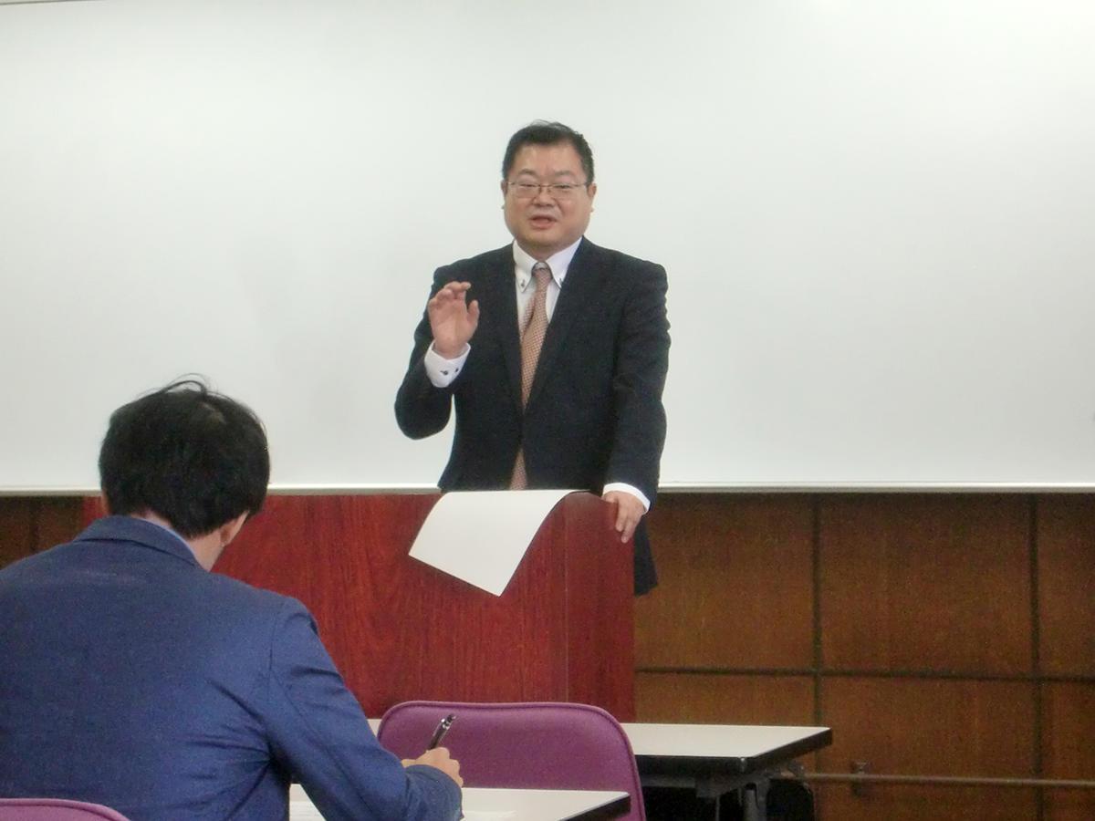 20171212taro_katsura02_prof_oka.JPG