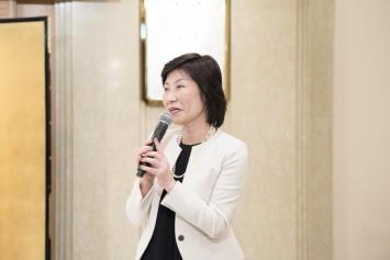 (特非)日本マナープロトコール協会理事長 明石 伸子 様